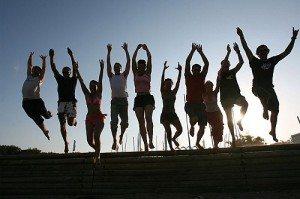 comment se faire des amis 300x199 Comment se faire des amis et se créer un cercle social