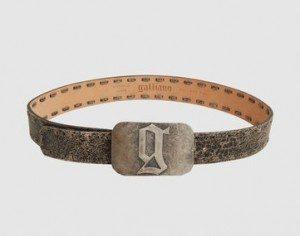 Ceinture Galliano 300x236 Comment bien choisir sa ceinture ?
