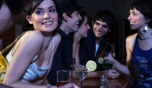 Adorder les filles en bars et clubs