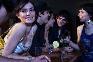 Draguer en Bars et Clubs 300x199 Bars et Clubs : 4 critères quutilisent les femmes pour vous juger en moins dune minute