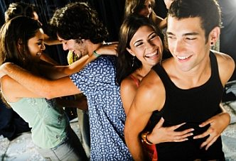 Bien danser pour mieux seduire Bien Danser en Soirée... pour Mieux Séduire (1ère partie)
