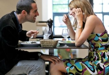 rendez vous avec une femme1 Comment inviter une femme en rendez vous sans paraître needy ?