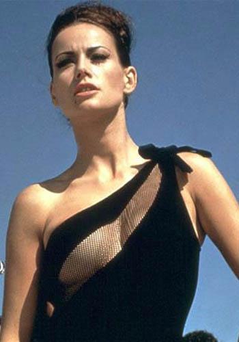 05 Luciana Paluzzi Opération Tonnerre James Bond Girl : élisez la plus belle !