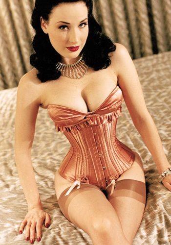 25 Dita Von Teese Votez pour la Fille la plus Sexy de 2013 !