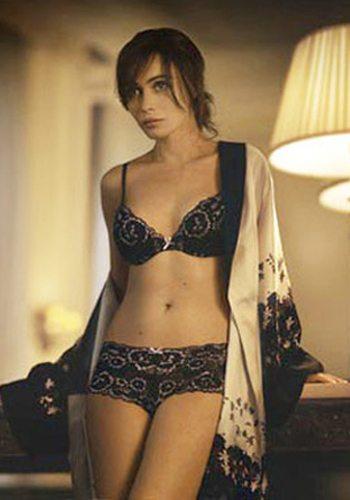 31 Emmanuelle Beart Votez pour la Fille la plus Sexy de 2013 !