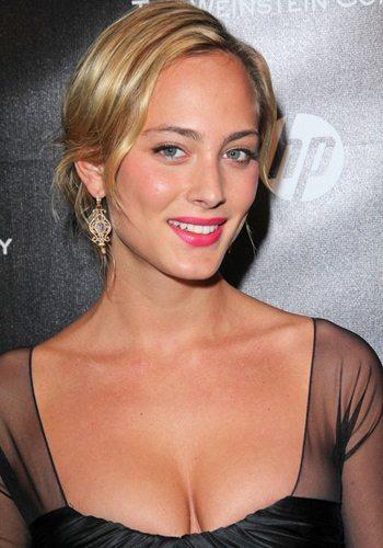 76 Nora Arnezeder Votez pour la Fille la plus Sexy de 2013 !