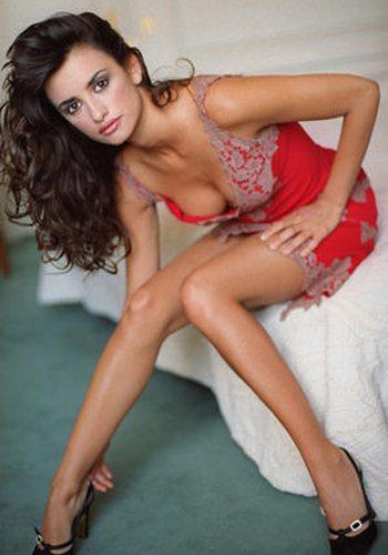 81 Penelope Cruz Votez pour la Fille la plus Sexy de 2013 !