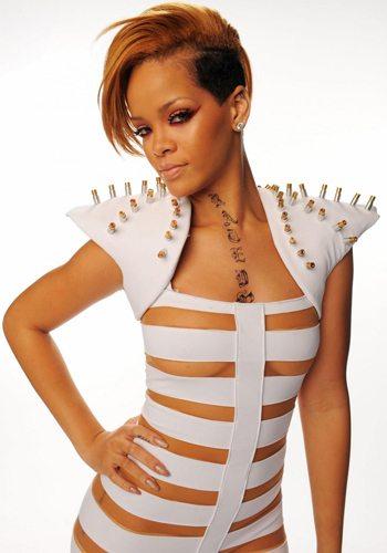 83 Rihanna Votez pour la Fille la plus Sexy de 2013 !
