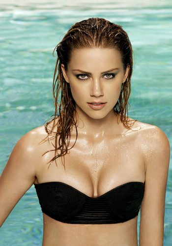 Amber Heard Votez pour la Fille la plus Sexy de 2013 !