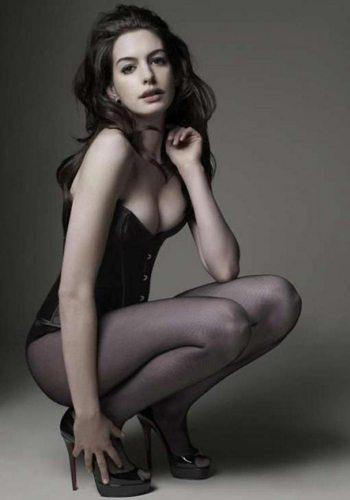 Anna Hathaway Votez pour la Fille la plus Sexy de 2013 !