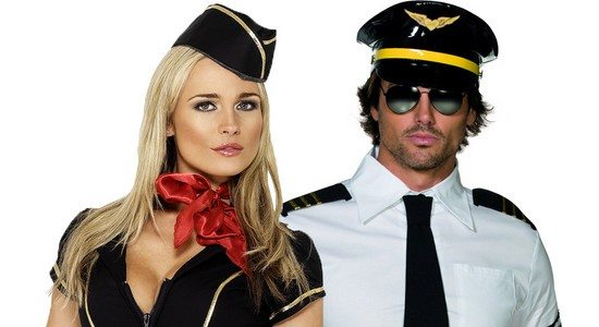 déguisement couple pilote et hôtesse de lair Buzz Sexy dans la Salle de Bain avec les Hôtesses de British Airways
