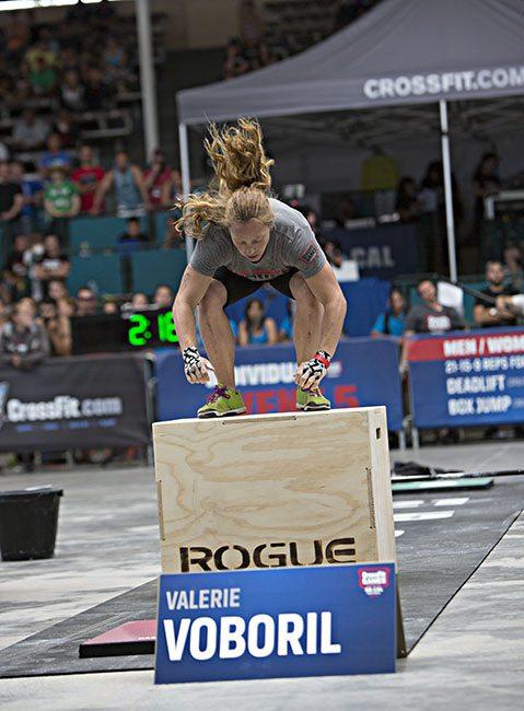 femme sport Le Crossfit : la Méthode de Préparation physique Efficace et Variée