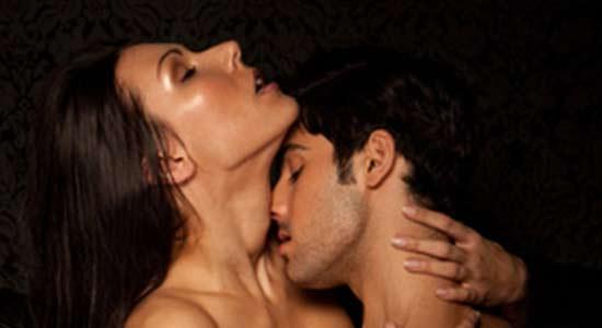 Gars velus ayant des rapports sexuels