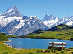 suisse alpes grindelwald 01 fotolia 300x225 20 Blagues pour faire Rire les Femmes en 2016