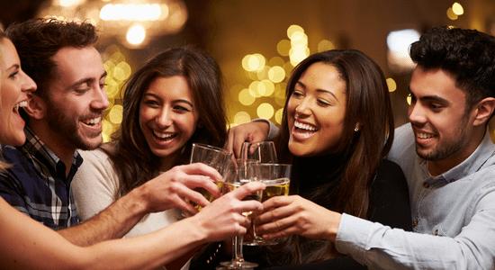 parler filles soirée1 Comment Parler Aux Filles en Soirée ?