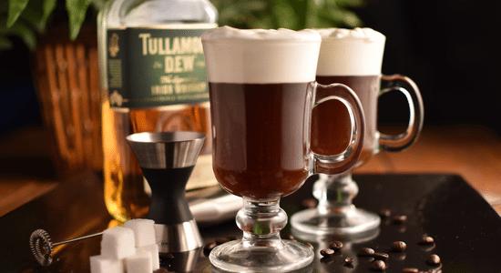 irish coffee whisky Le Grand Guide du Whisky : Comment l'Apprécier Comme un Vrai Gentleman?