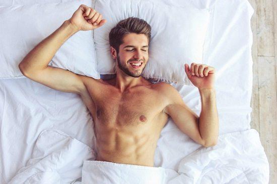 conseils beauté homme rentrée dormir 7 Conseils Beauté Homme Pour Une Rentrée Du Bon Pied !