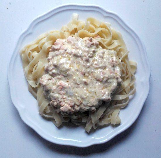 cuisiner pour une fille tagliatelles au saumon Que Cuisiner Quand on Invite une Fille chez Soi (Pour Séduire ses Papilles !)