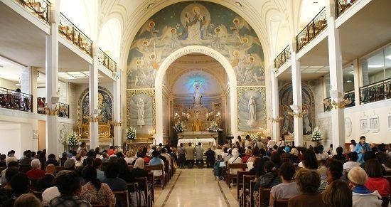 draguer touriste à paris Chapelle Notre Dame de la Médaille miraculeuse Comment Draguer une Touriste à Paris (ou Ailleurs !)