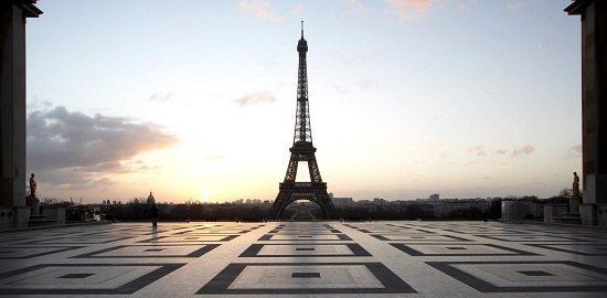 Comment Draguer une Touriste à Paris (ou Ailleurs !)