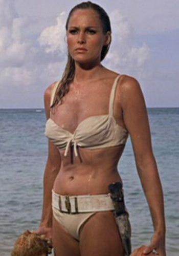James Bond Girl : élisez la plus belle !
