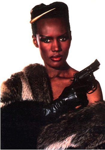 20 Grace Jones Dangereusement Vôtre James Bond Girl : élisez la plus belle !