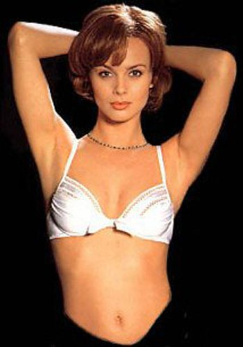23 Izabella Scorupco GoldenEye James Bond Girl : élisez la plus belle !