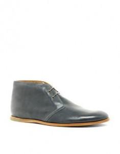 Les belles chaussures étudiante