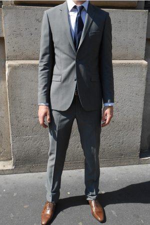 c6dac8a2f08 Costard gris chaussure marron - Idée de Costume et vêtement