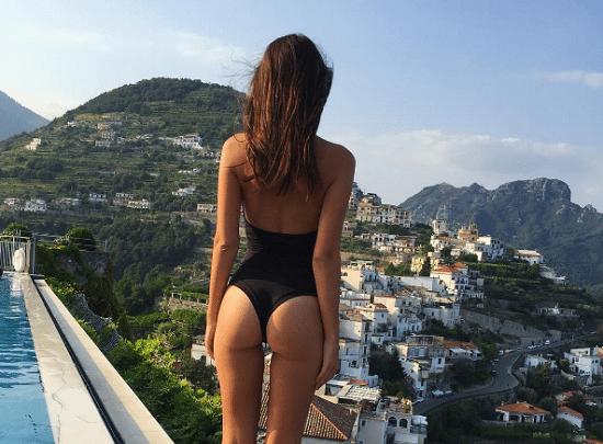Instagram sexy Emily Ratajkowski