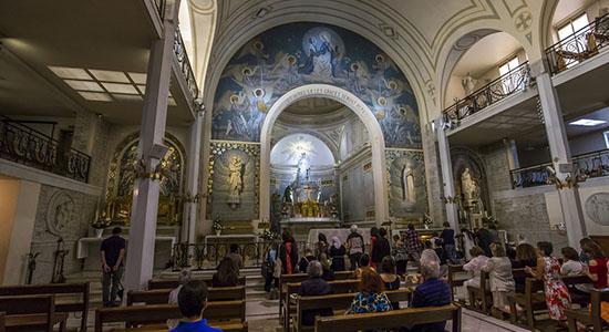 Notre-Dame-de-la-Medaille-miraculeuse