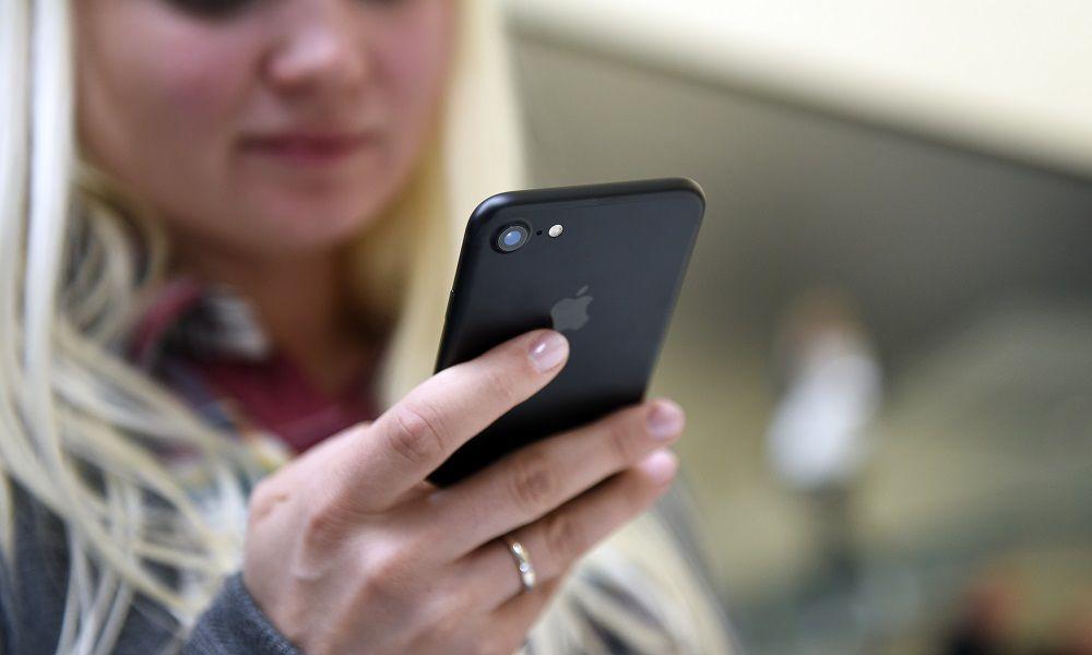 draguer une fille en couple par sms