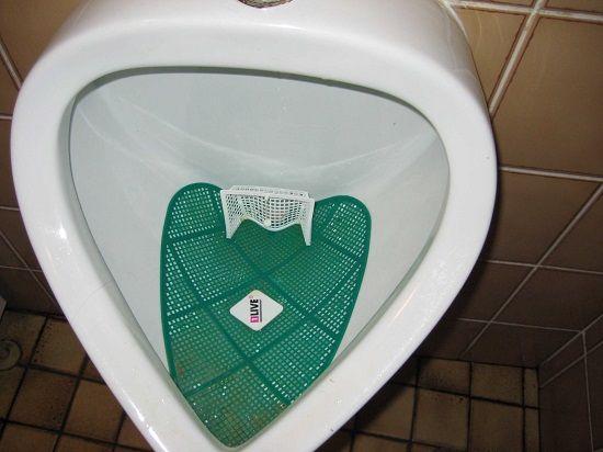 nudge-toilettes-but