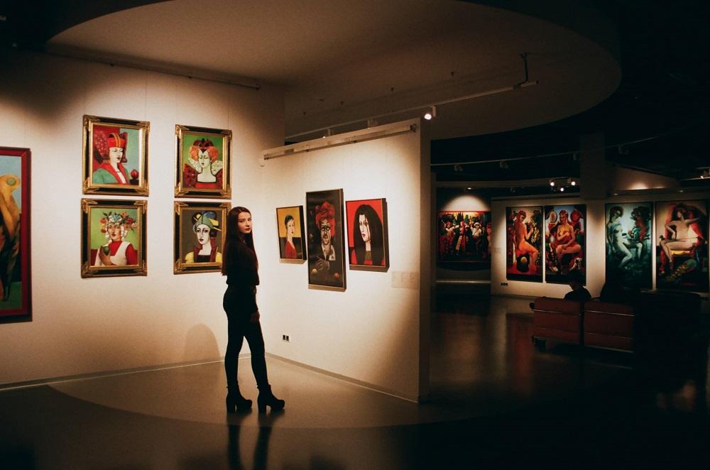 séduire dans un musée